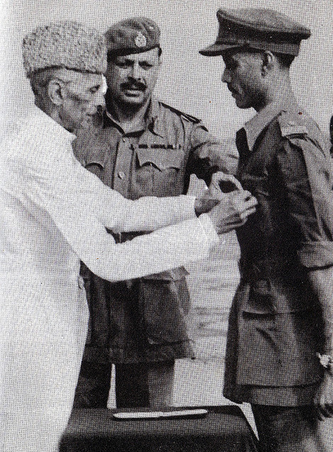 The-Founder-with-GOC-East-Pakistan-Ayub-Khan-in-1948