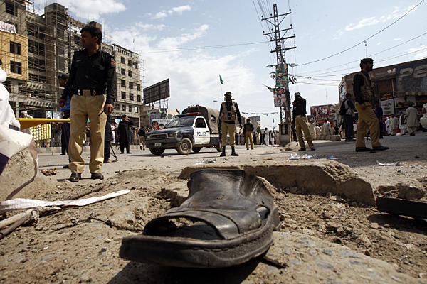 0429-Pakistan-election-violence_full_600